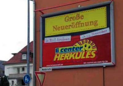 Plakat wirkt für die Neueröffnung des Herkules E Center in Bad Arolsen