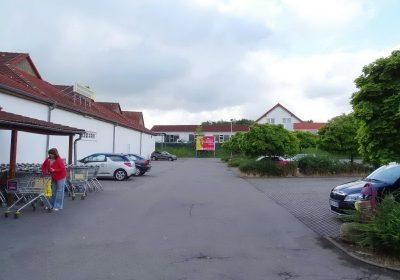 Plakatwerbung am Supermarkt in Bad Salzungen