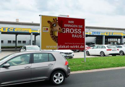 Wir bringen Sie in Petersberg GROSS raus - Plakat wirkt!